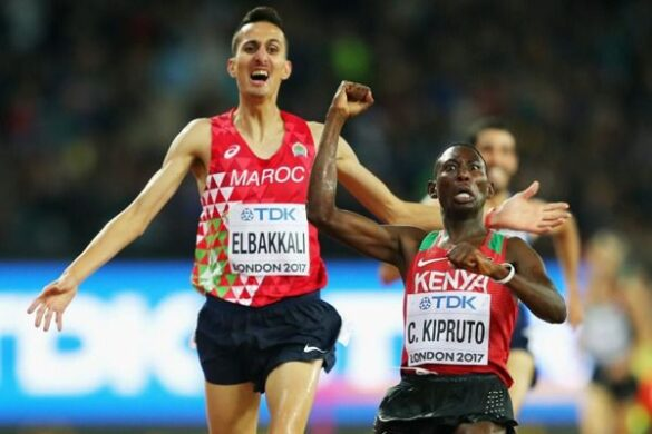 Conseslus Kipruto beats Soufiane El Bakkali of Morocco to silver at the 2017 World Championships in London