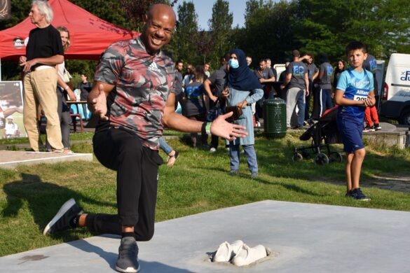 Mike Powell's 8.95m record leap becomes permanent as sculpture inaugurated in Brussels
